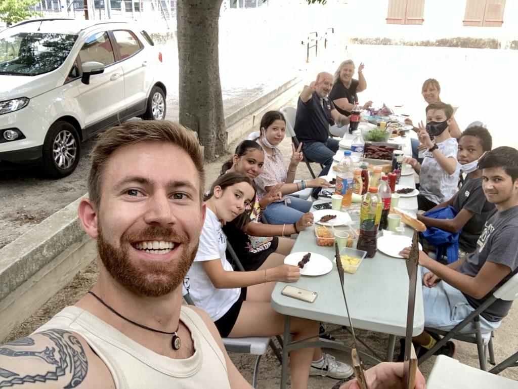 Pétanque et barbecue - photo de groupe