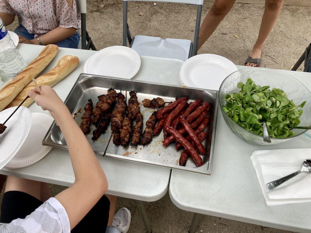Pétanque et barbecue - photo des grillades