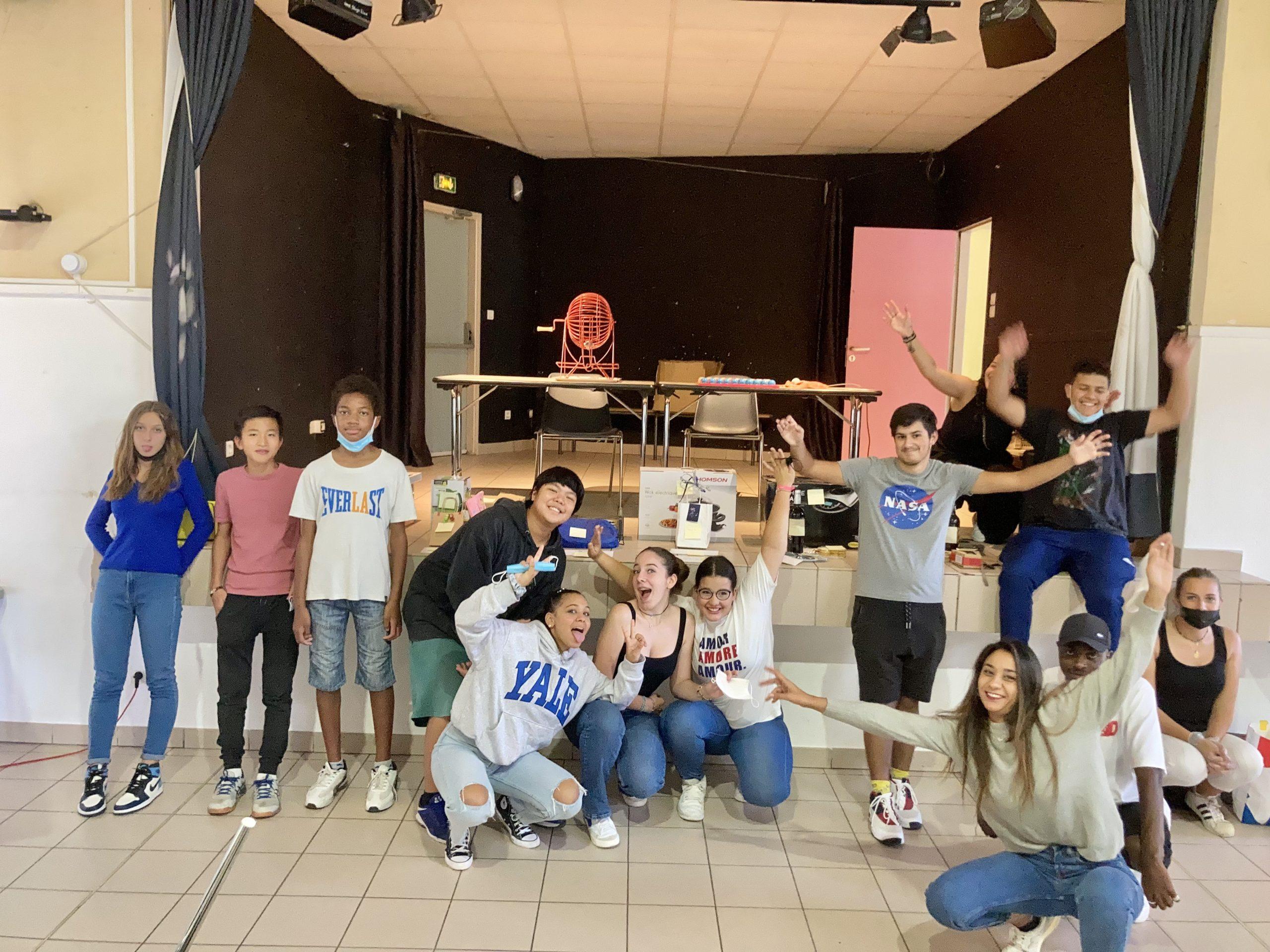 Groupe de jeunes lors du loto associatif